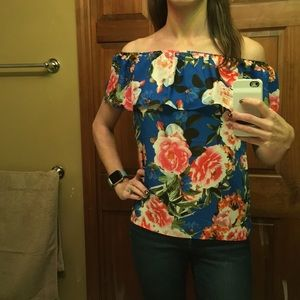 NWT Rose + Olive Floral Top